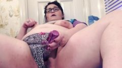 Real BBW Tests Out Each Setting On Vibrator Until She Spunks Twice And Squirts!