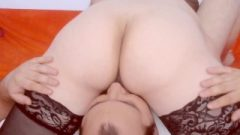 Guy Licks Her Pussy In Stockings